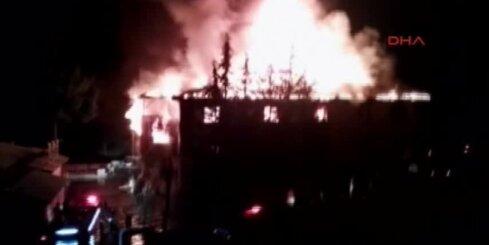 При пожаре в школьном общежитии в Турции погибли 12 человек
