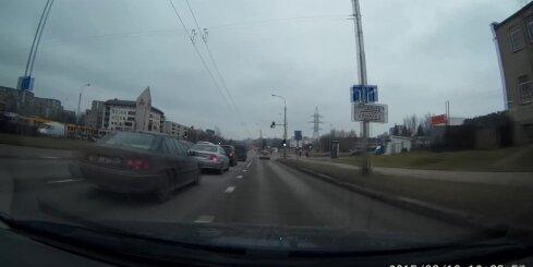 Viļņā aiztur nekaunīgu baltkrievu autovadītāju