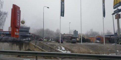 Izcēlies ugunsgrēks tirdzniecības centrā 'Juglas centrs'; ierobežota satiksme
