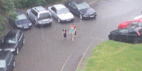 Plūdi Purvciema pagalmā
