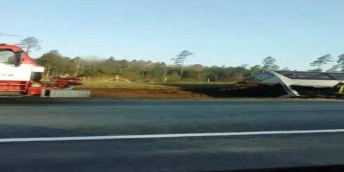 Pasažieru autobusa avārija uz Bauskas šosejas