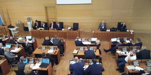 Rīgas domes deputāti spriež par alkohola lietošanas paradumiem