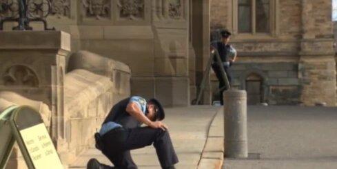 Apšaude pie Kanādas parlamenta: noskaidrota šāvēja identitāte