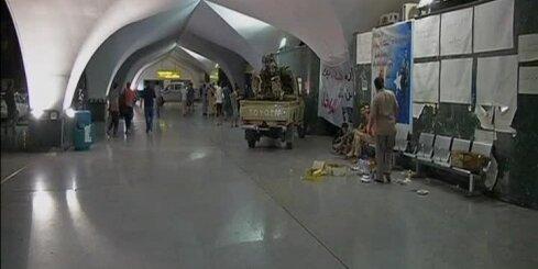 Apšaudīta Tripoles lidosta