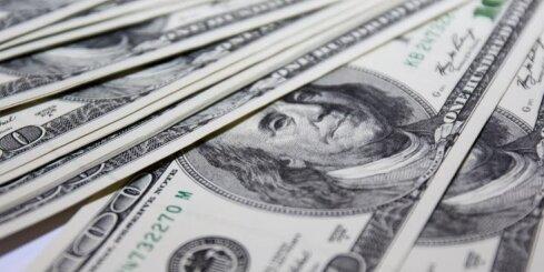 Aizdomās par Krievijas naudas atmazgāšanu aiztur divus Latvijas banķierus