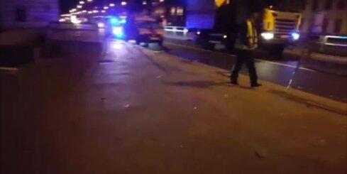 Brīvības gatvē avarē 'Rīgas satiksmes' autobuss