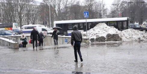 Reidā Centrālajā stacijā aiztur 48 iereibušus cilvēkus