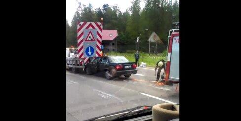 Aculiecinieka video: Avārija uz Jūrmalas šosejas