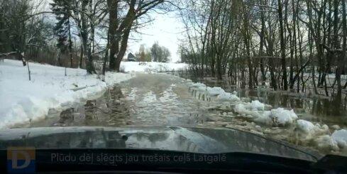 Plūdu dēļ slēgts jau trešais ceļš Latgalē