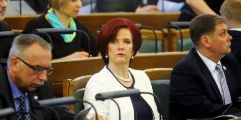 Kučinska izteikumi par Koļegovu – nopietna politiķa necienīgi, kritizē Āboltiņa