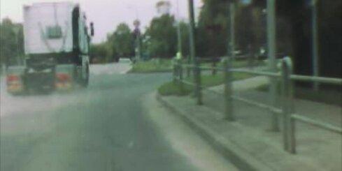 Agresīvs kravas auto vadītājs Jelgavā