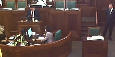 Dzintars Zaķis nodod Saeimas deputāta zvērestu