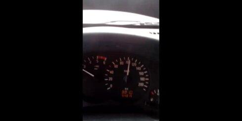 Autobuss uz Talsiem jož ar ātrumu 110 kilometri stundā