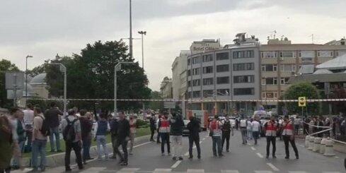 Turcijā uzspridzina policijas autobusu