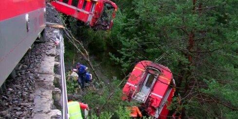 Šveicē zemes nogruvuma rezultātā notriekts vilciens ar 200 pasažieriem