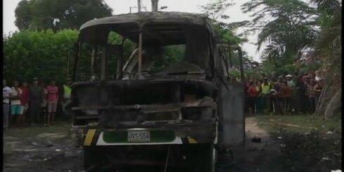 Aizdegoties autobusam, Kolumbijā miris 31 bērns