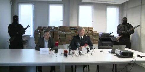Latvijā notverta milzu hašiša krava; seši aizturētie