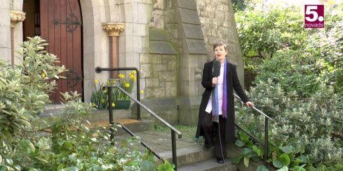 Īrijā darbojas divas dažādas latviešu luterāņu draudzes
