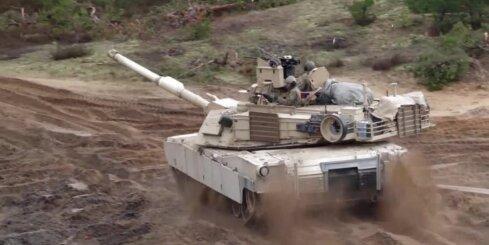 ASV tanku treniņi Ādažos