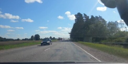 Smaga autoavārija uz Liepājas šosejas