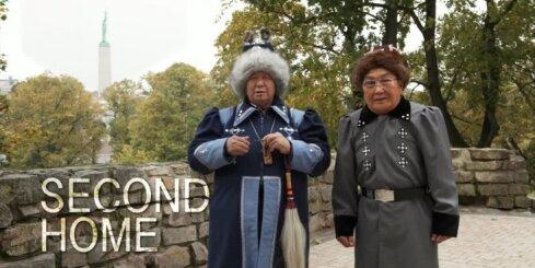 Radīts aizkustinošs video apsveikums. 98 cittautieši sveic Latviju svētkos