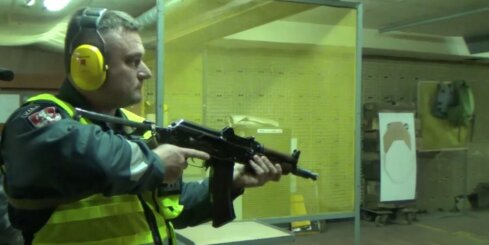 AKS-74U skandāls: Lietuvas policija atsakās no 'Kalašņikov' triecienšautenēm