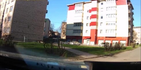Šoferīšu nedienas Daugavpils iekšpagalmos