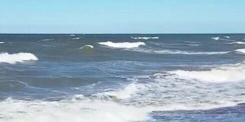 Ronēns pēc sauļošanās Liepājas pludmalē iemūk jūrā