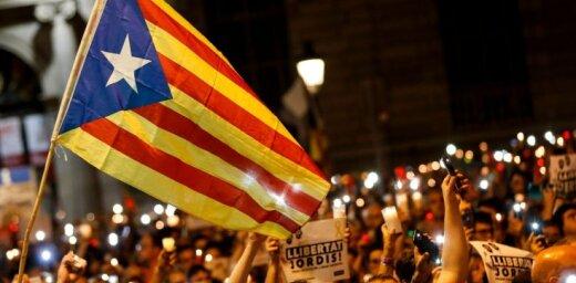Spānija jau ceturtdien gatava apturēt Katalonijas autonomiju