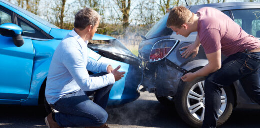 Saskaņotos paziņojumus pēc ceļu satiksmes negadījumiem varēs aizpildīt elektroniski
