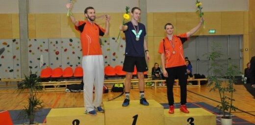 Foto: Par Latvijas absolūto čempionu badmintonā kļuvis Niks Podosinoviks