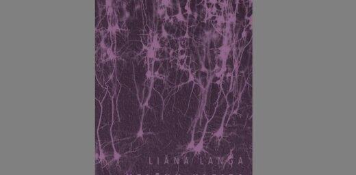 Iznācis Liānas Langas dzejoļu krājums 'Velēnu kleita'