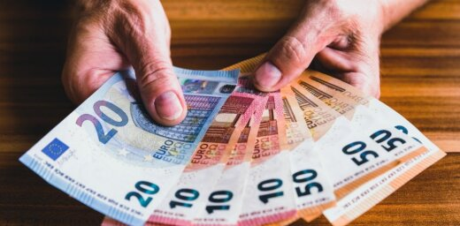 Экономист банка: население Латвии начинает смелее тратить
