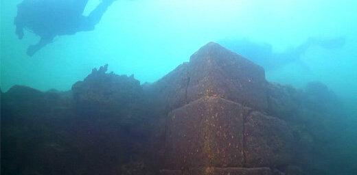 ВИДЕО: На дне турецкого озера нашли древнюю крепость