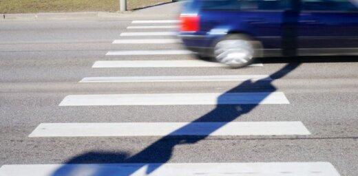 Ceļu satiksmes negadījumos cietuši vairāki gājēji