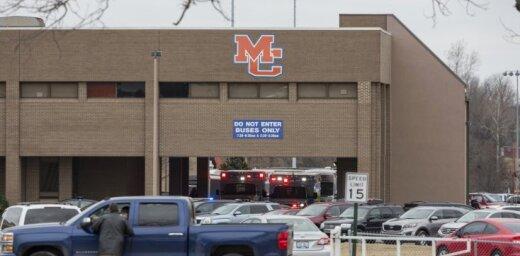 Apšaudē Kentuki vidusskolā nogalināti divi skolēni; 12 ievainotie
