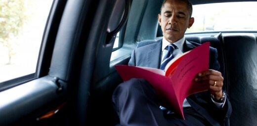 Обама поделился своим списком книг на лето