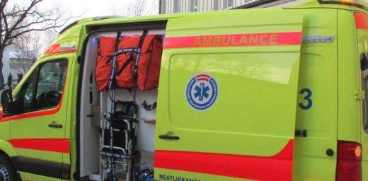 При падении из окна погибла клиентка Центра социальной опеки