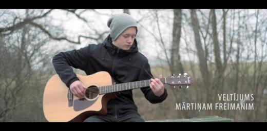Aizputes jaunieši Mārtiņam Freimanim jubilejā velta sirsnīgu dziedājumu