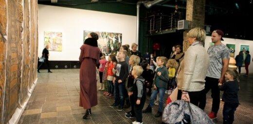 """ФОТО: В рамках выставки """"Мечты и драмы"""" прошло занятие для детей"""