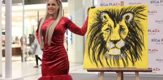 """ФОТО: Участницы конкурса """"Миссис Латвия"""" продемонстрировали свои таланты"""