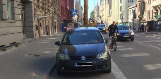 Veloceliņi nav šķērslis parkošanās 'meistariem'