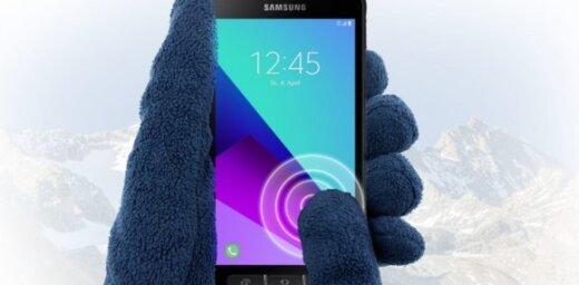 Foto: Telefons lietū un aukstumā – 'Samsung' izrāda jauno 'Galaxy XCover 4'