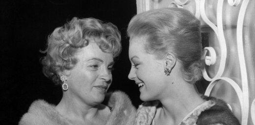 Gultā ar fīreru: gaismā tiek celta Hitlera dēka ar vācu aktrisi
