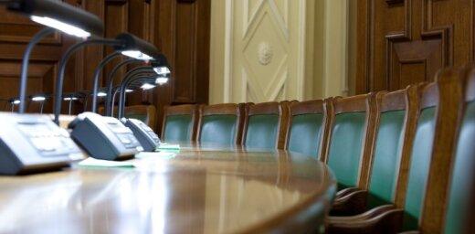 Nodokļu reforma: Saeimas prezidijs sasauc ārkārtas sēdi pēcpusdienā