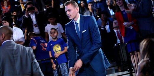 ВИДЕО, ФОТО: Пасечник стал пятым латвийским баскетболистом, выбранным на драфте НБА