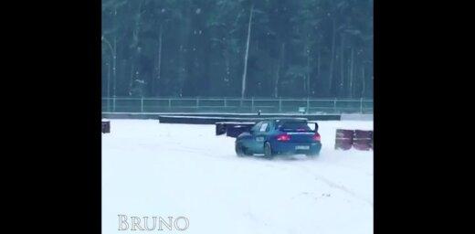 Video: Ledus drifti un ekstrēms brauciens ragavās – lasītāji izbauda ziemu