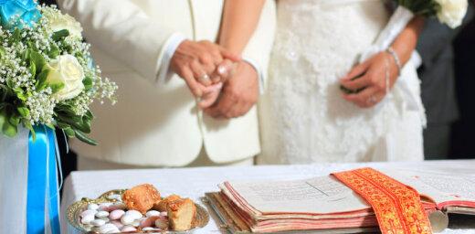 Ministrija sola izskaust novecojušo informāciju par laulību sludinājumiem