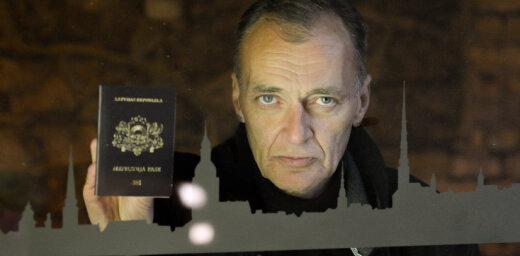 Все фиолетово? 4 негражданина рассказывают о том, почему они не стали менять свой паспорт