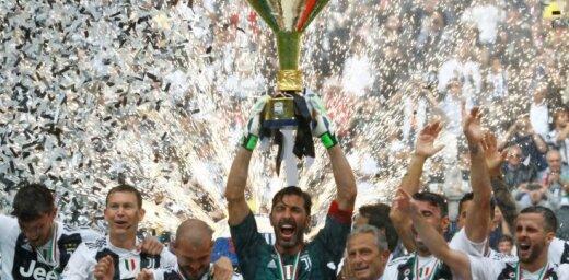 Bufons ar uzvaru atvadās no Turīnas 'Juventus'